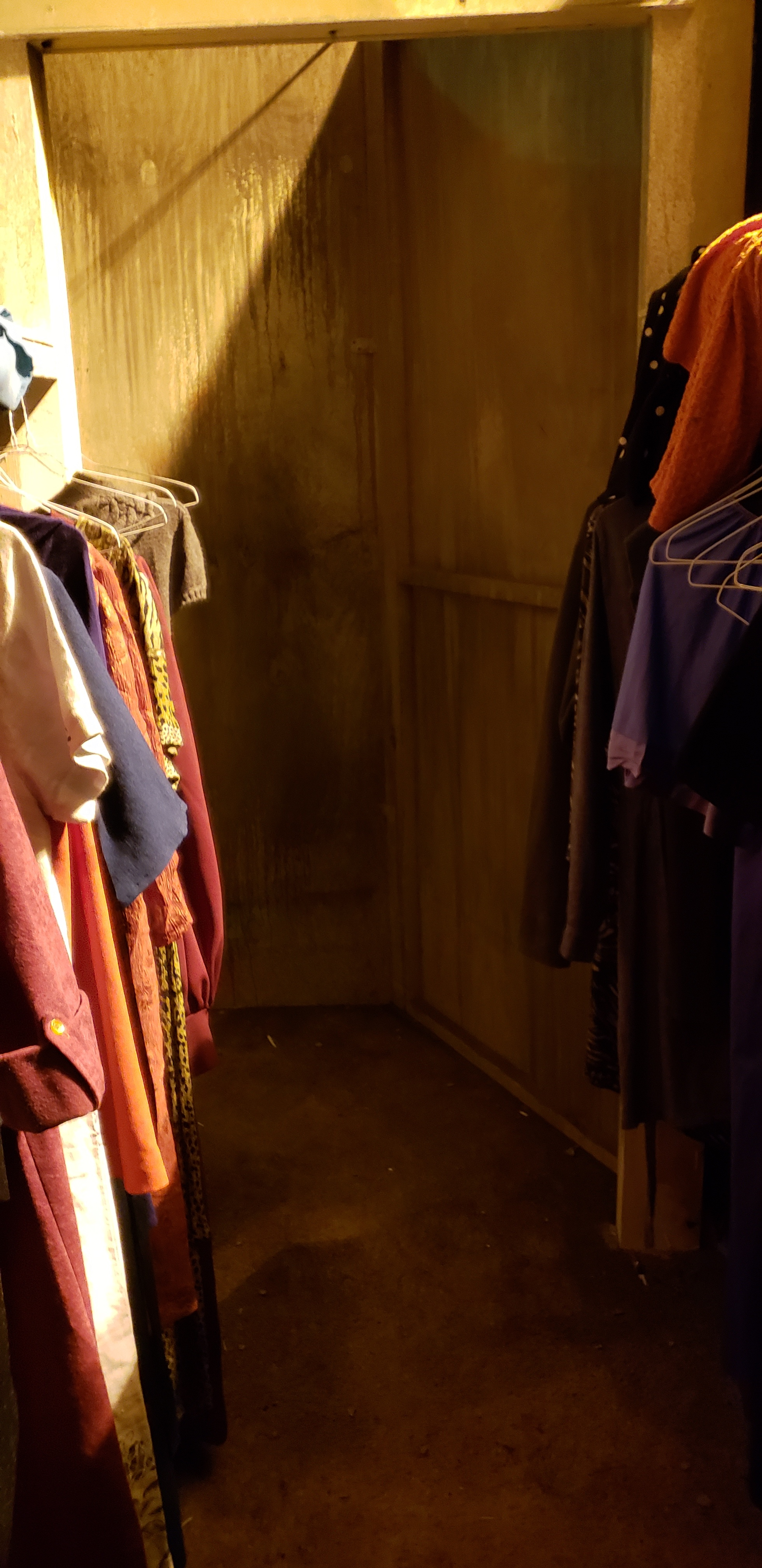 19 2 closet