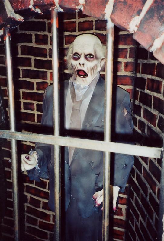 Dr Evil S Haunted House Gallery Hauntrepreneurs